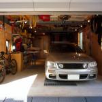 遊び道具とクルマいじりの車庫