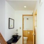 2階トイレ周り。ハシゴ階段はロフトへ